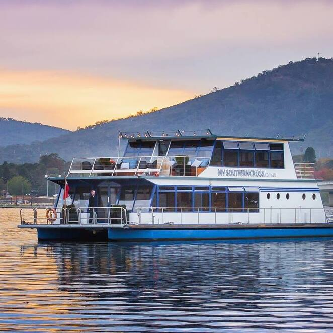 mv southern cross, canberra, lake burley griffin, new years eve, cruises, fireworks, best places to see fireworks, family, romantic, 9pm fireworks, midnight fireworks,