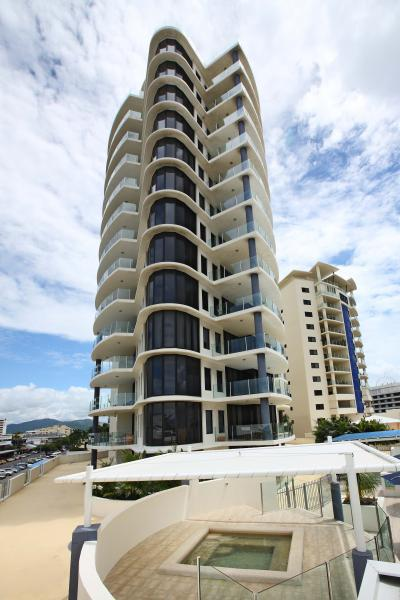 park regis piermonde apartments cairns reviews