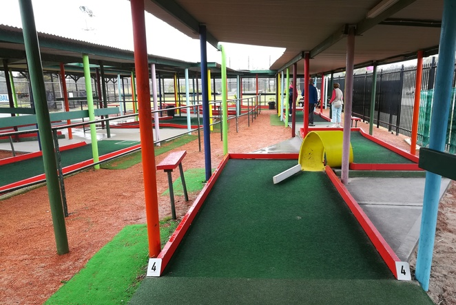 Putt Putt, David Grahams Golf Complex, Port Stephens, mini golf, rainy day ideas, school holidays, kids, families, children, family friendly, mini golf, tourist attractions, family friendly, things to do, wet weather, rainy day, whats on,