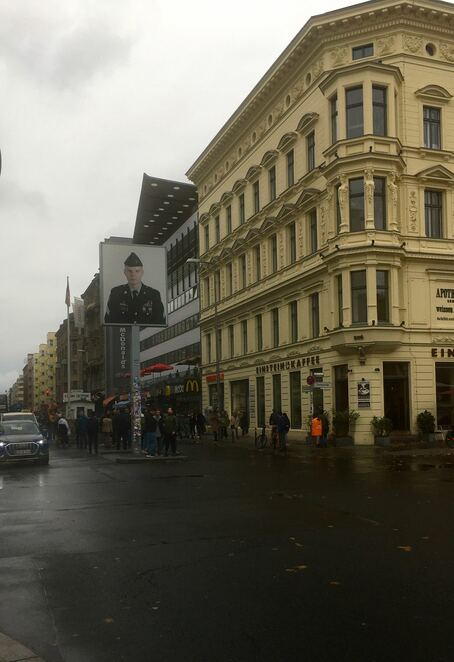 Checkpoint charlie,berlin,wall,tourism,free,west berlin