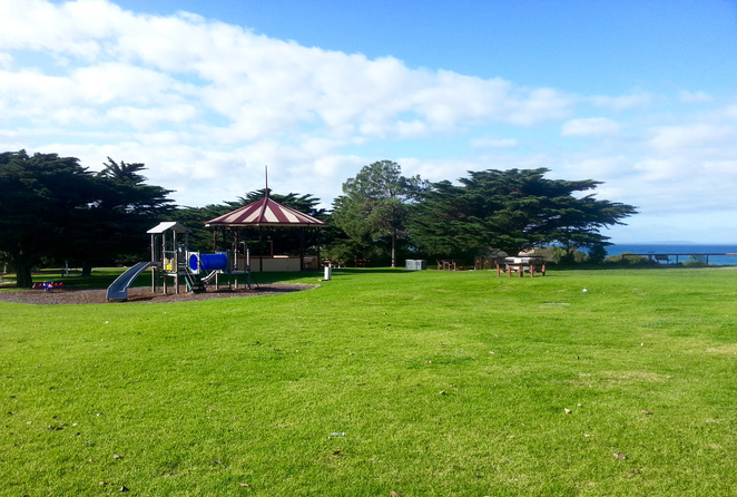 Citizen's Park, Queenscliffe, Queenscliffe foreshore Reserve, Playground, Picnic spot, BBQ, public bbq, barbecue, electric barbecues, recreation, park, foreshore, bellarine, rotunda,