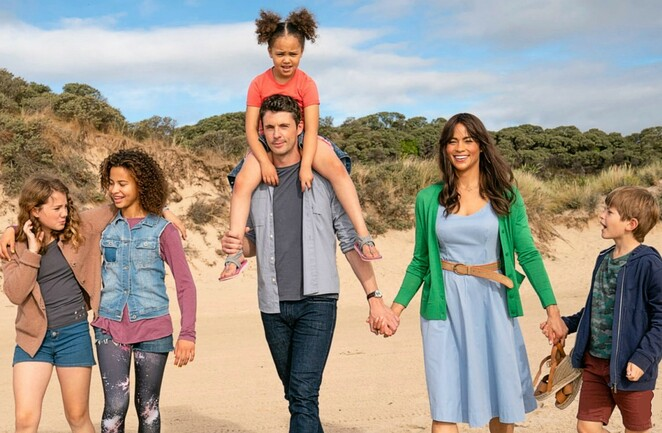 four kids and it film review 2020, paula patton, matthew goode, russell brand, michael caine, jacqueline wilson, best selling novel four kids and it, ashley aufderheide, community event, fun things to do, cinema, family, fun for kids, performing arts, cinema, movie review, kids movie, family movie, entertainment