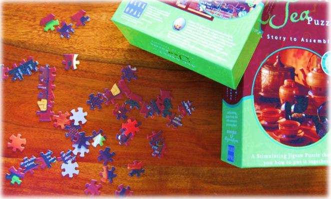 Jigsaw puzzle pieces box