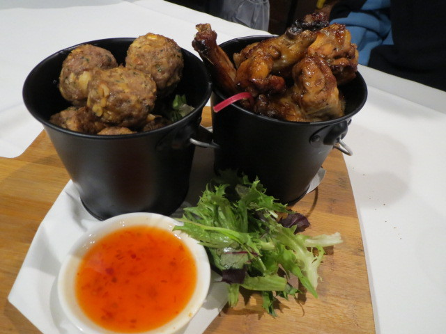 Strathmore Hotel, Cafe 129, Pork & Cashew Nut Meatballs, BBQ Chicken Wings, Adelaide