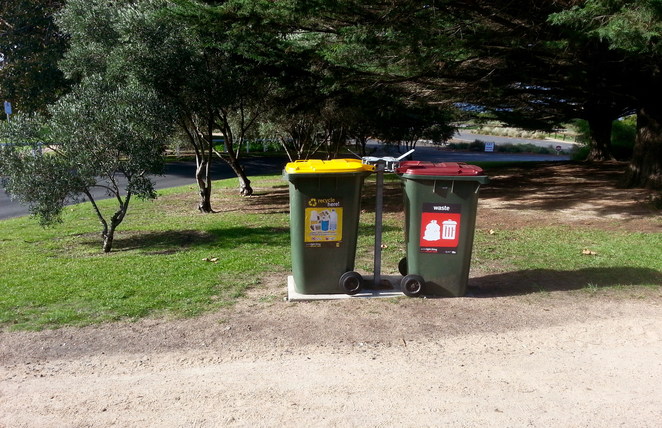 Citizen's Park, Queenscliffe, Queenscliffe foreshore Reserve, Playground, Picnic spot, BBQ, public bbq, barbecue, electric barbecues, recreation, park, foreshore, bellarine, rubbish bins, recycling bins,