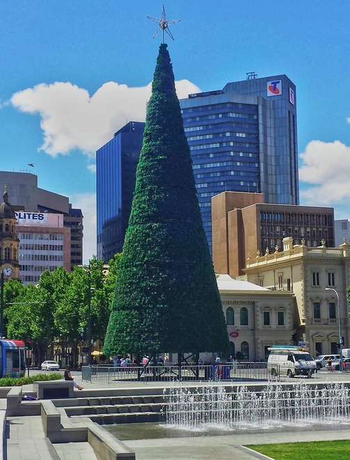 forkmas, fork on the road, victoria square, food trucks, in adelaide, street food, family entertainment, about adelaide, smith family, christmas tree
