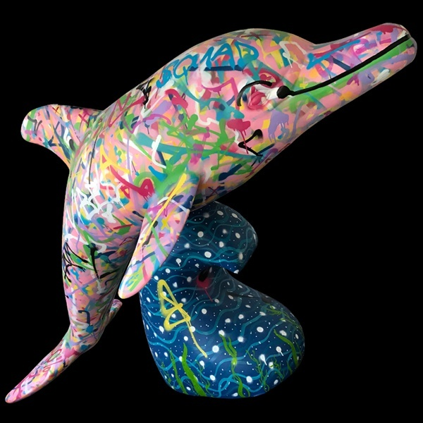 painted,dolphin