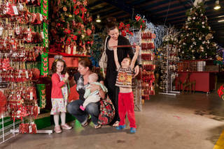 Rudolph Warehouse Christmas Family Day Melbourne Buy Delivered Lots Items