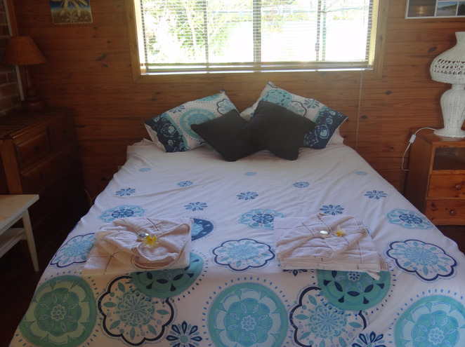sandy beach, coffs harbour, bed and breakfast, accommodation, B & B, mid-north coast, new south wales