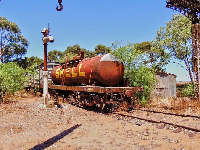 tailem town, ghost adventures, history of south australia, ghost tours, old tailem town, holiday in sa, about south australia, tourism, tailem bend, railway carriages
