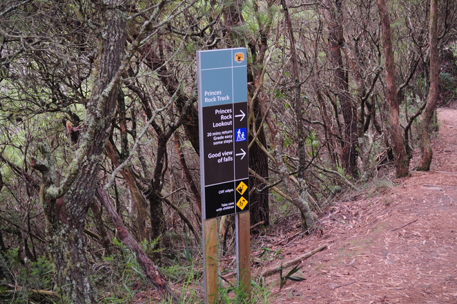 Trail to Princes Rock Lookout