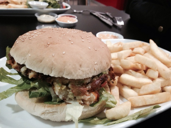 veggie burger, fish and chips, melbourne fish and chips, melbourne burgers, port melbourne, port melbourne fish and chips, seafood, melbourne seafood