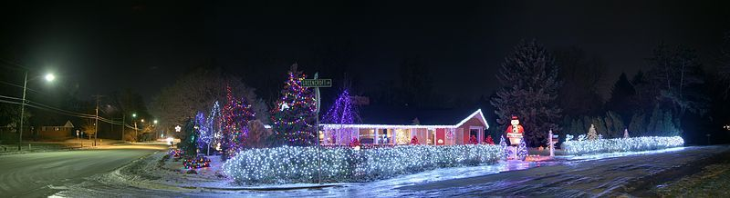 Where Are The Best Christmas Lights In Perth? - Perth - by Sarah M