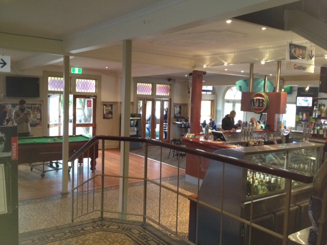 Cheap eats, pub food, TAB and bottle shop, restaurant, family friendly, lunch, dinner, iconic pub, historic pub, historic hotel with entertainment,