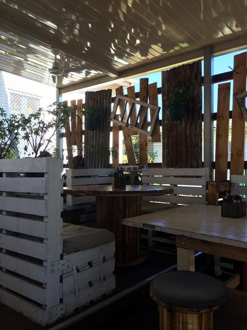 Esher Street cafe and deli, best coffee in brisbane, coffee shop, whats on in brisbane, banana bread, best cafe in brisbane,