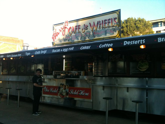harrys, cafe, pie, hot dog, food truck, van
