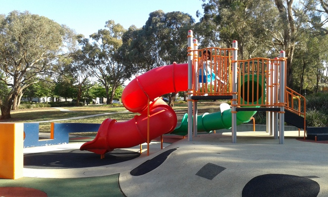 heritage park, forde, frankies cafe, frankies at forde, fode, gungahlin, ACT, playgrounds, parks, cafes, coffee, BBQ's, picnics,