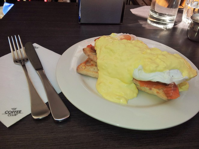 Kate James, eggs benedict, breakfast, eggs, hollandaise sauce, surfers paradise, poached eggs, weekend notes,