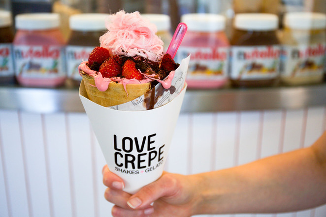Love Crepe's Pink Nutella Crepe