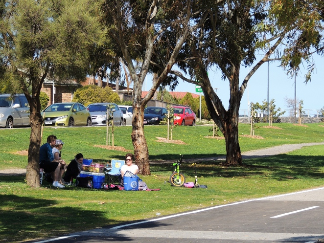playground, play areas, dog friendly, children, trees, shelters, reserve, wetlands, trails, picnic
