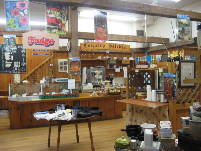Puddicombe Store, general store, home cooked meals, restaurant, treats, gifts