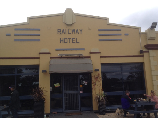 Front entrance of the Railway Hotel, Bannockburn