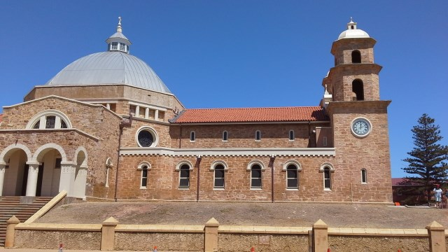St. Francis Xavier Cathedral, Geraldton, Western Australia, cruises, do your own shore excursion.