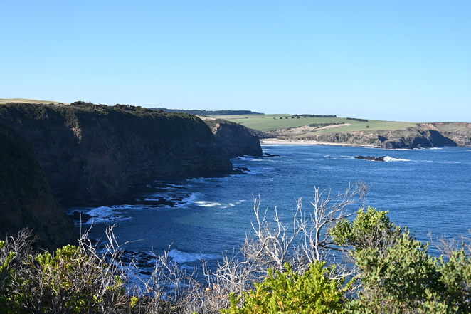 Stunning views at Cape Schanck Lighthouse or boardwalk down to rock pools