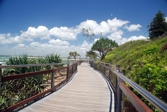 walking trails, tracks, pathways, sunshine coast, mt coolum, noosa national park, kondadilla falls, maroochy wetlands sanctuary, maroochy botanical gardens, caloundra's coastal pathway, point cartwright reserve, mt tinbeerwah lookout