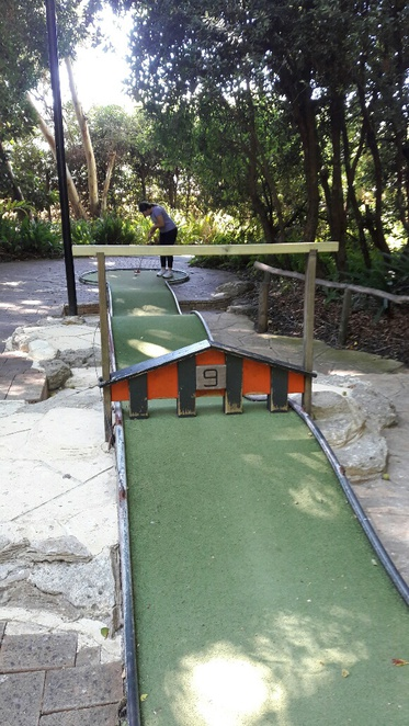 Wanneroo Botanic Gardens and Mini Golf, mini golf, family fun