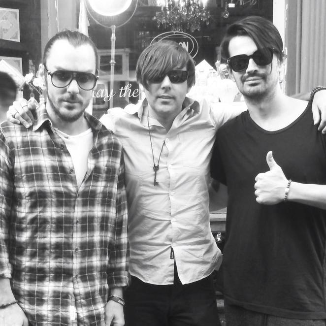 (centre), with 30 Seconds to Mars