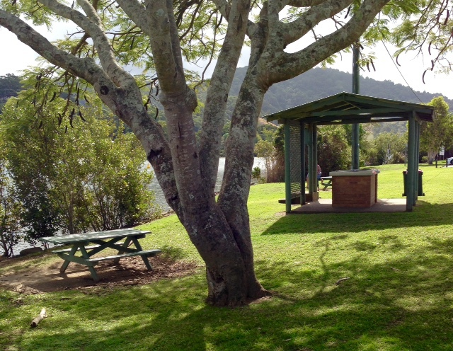 Faith Mussing Bandler Park, Tumbulgum, Tweed River, cafes nearby, barbeques, outdoor seating, parking, public toilets