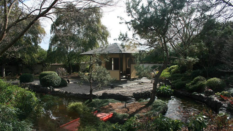 The Royal Botanic Garden, Sydney When: All Year Round. Where: Mrs  Macquaries Rd, Sydney Cost: Free Details: Not A Garden Museum, But  Certainly A Garden To ...