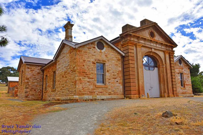 ghost, Martindale Hall, Edmund Bowman Jnr, William Tenant Mortlock, Valentine Mortlock, psychic, Mintaro, south Australia, martindale station