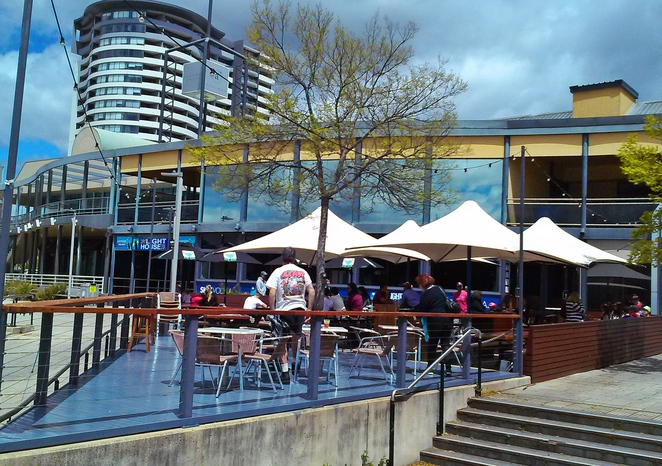 lighthouse pub, belconnen, ACT, canberra, pub, beer garden, kids eat free, canberra, pubs, outside seating areas,