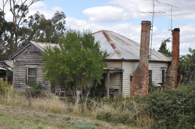 Old cottage at Maldon, Victoria. Image by Out and About.