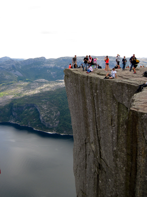preikestolen,norway,rock,hike,cliff,high,beauty,nature,fitness,greenery,walk