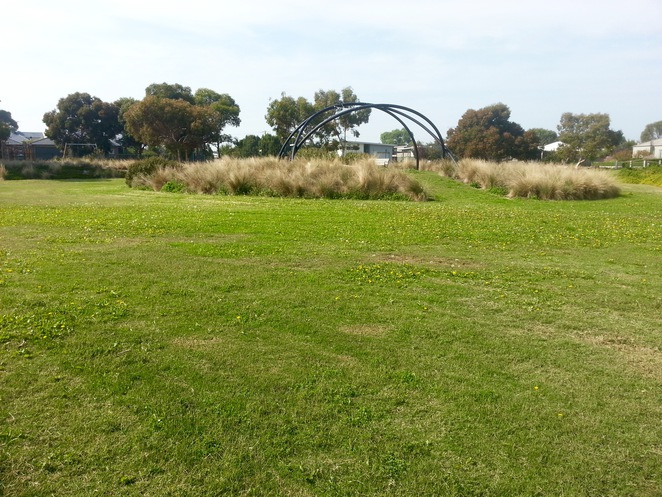 seabank Estate, Seabanks, Seabank Drive, Barwon Heads, Park, outdoor artwork, outdoor bird sculpture, sculpture, bird, metal,