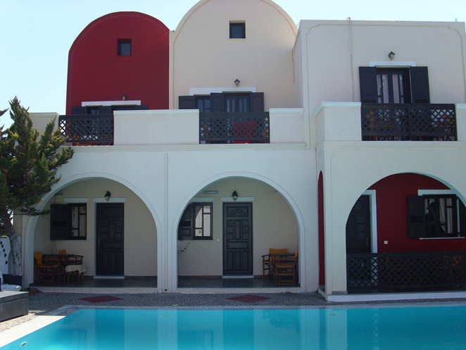 Sweetheart Studios Kamari Beach cheap accommodation Santorini