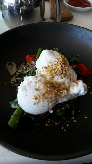 Vans Cottesloe, healthy meal, poached eggs