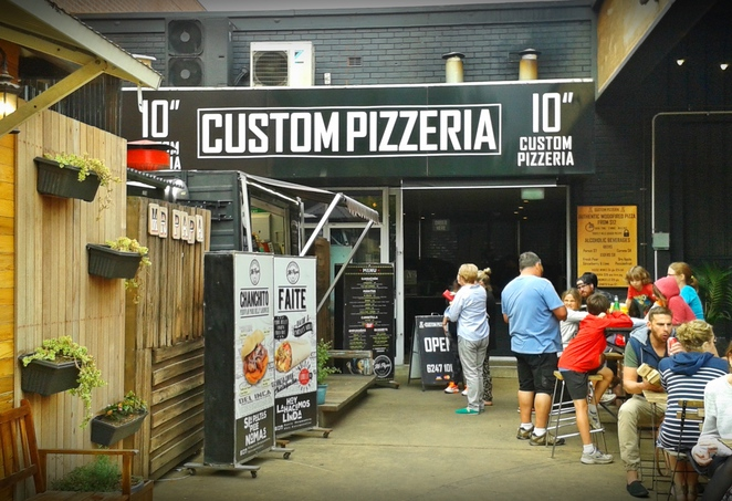 10 inch custom pizzeria, pizzas, the hamlet, canberra, lonsdale street, ACT, best pizza,