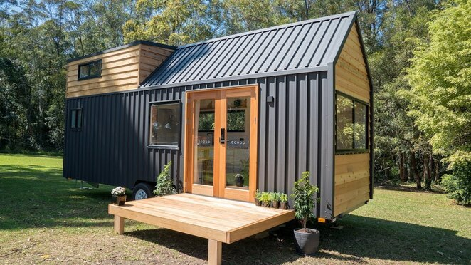 brisbane tiny homes expo, community event, fun things to do, downsizing, living in a tiny home, tiny homes expo, Tiny Homes on wheels, container homes, portable homes, Granny Flats, sheds