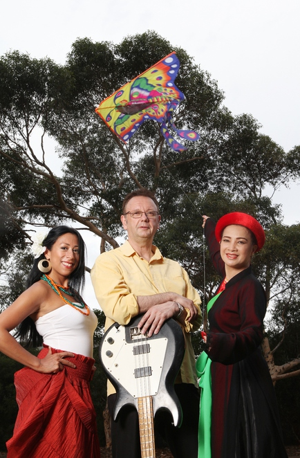 Kite flying, Free family fun, active family fun, free family entertainment, Free musical performance, free kids' activities and great entertainment, magicians and clowns, stilt walkers, free kids shows,