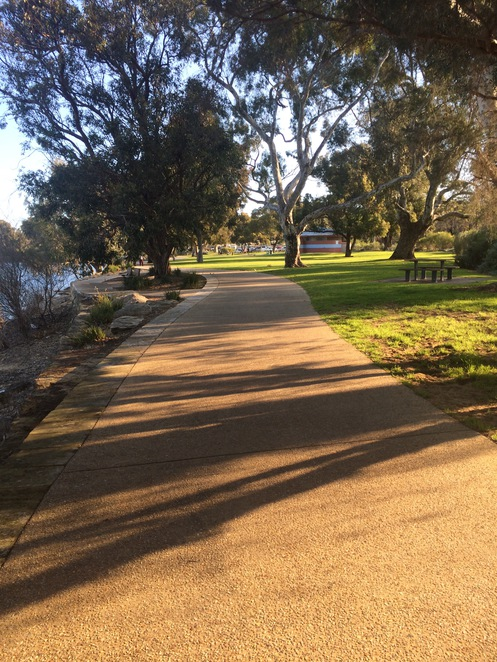 Pram friendly walks South of the River Bibra Lake