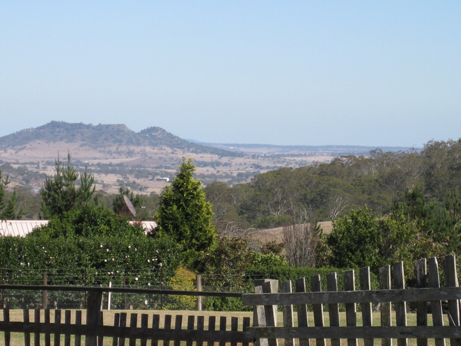 Quinlan Rd view towards Oakey near Toowoomba