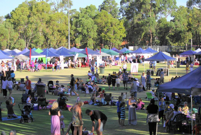 Roleystone Christmas Twilight Market and Concert 2016 and and crowd
