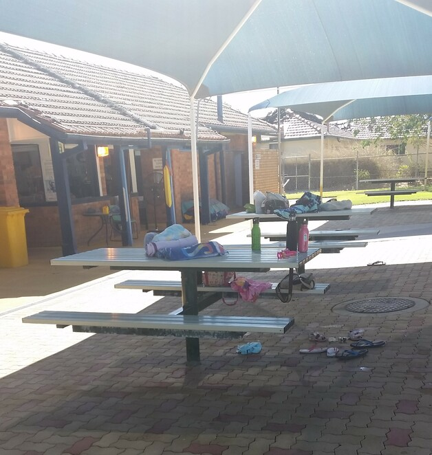 Winton, Queensland, outback, pool, swimming pool, public swimming pool, water sport activity