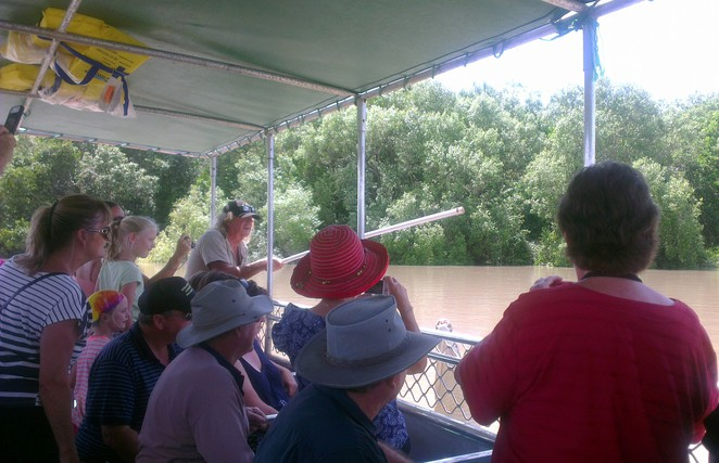 Adelaide River Jumping Croc Cruise, Darwin Crocodile Cruise, Northern Territory Tourist Attractions