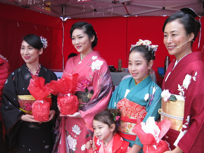 Camellia Tea Ceremony participants