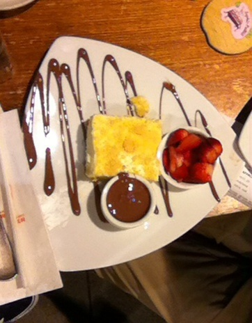 Gold Coast, surfers paradise, dessert bar, max Brenner, cakes, coffees, ice cream, cafe